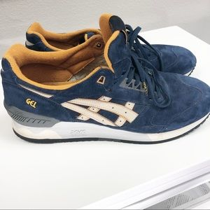 Asics   Gel Respector in Navy and Sand